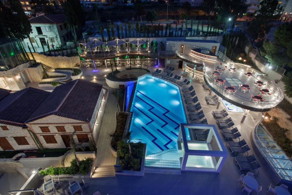 A view of the pool at DoubleTree by Hilton Kusadasi or nearby