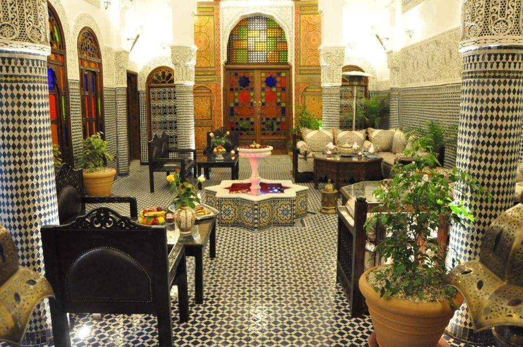 Restaurant ou autre lieu de restauration dans l'établissement Riad Ghita Palace