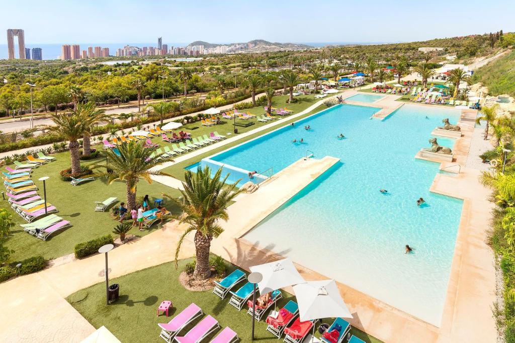 Grand Luxor Hotel - Includes Tickets Terra Mítica® Park ...