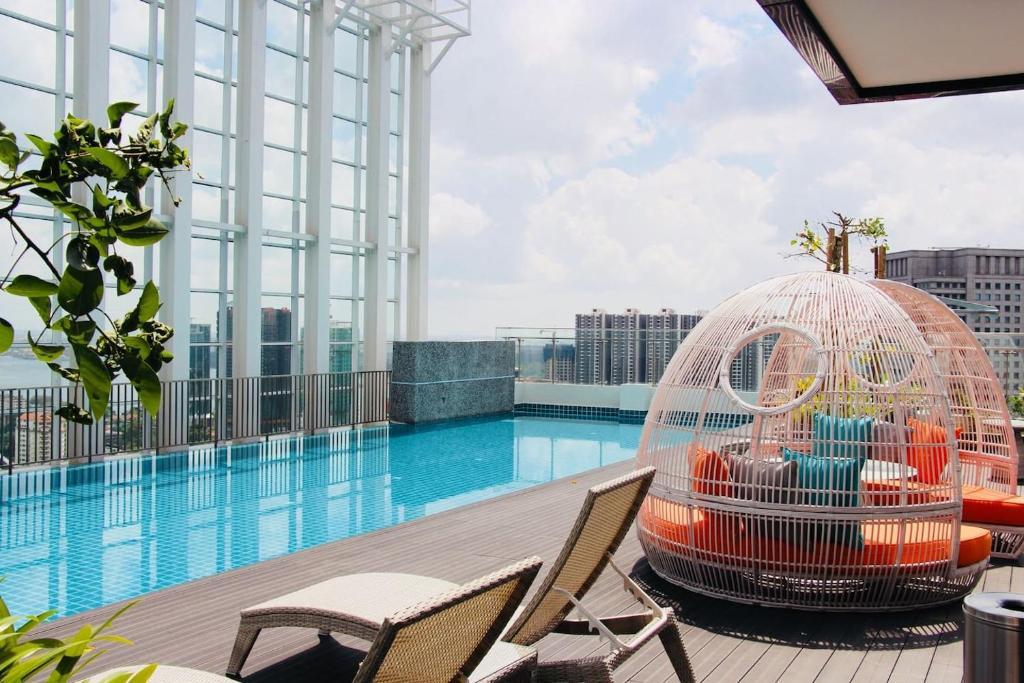 The swimming pool at or near Suasana Residences Johor Bahru