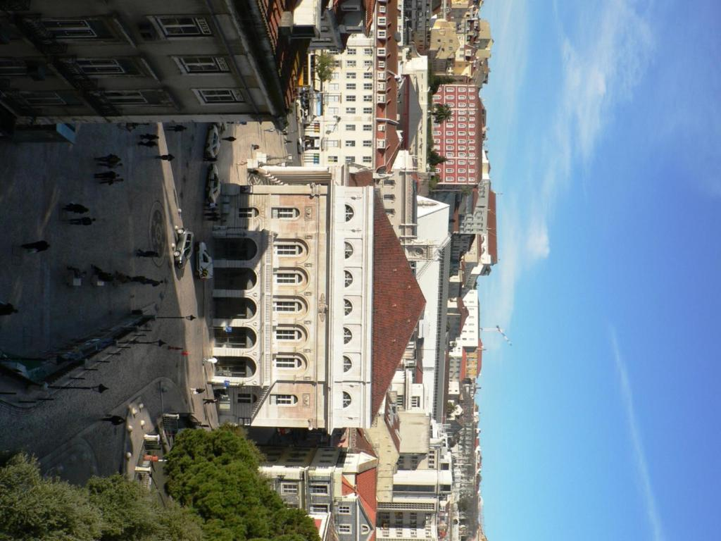 Traveling to Lisbon Low Cost Lisbon Rossio Apartments