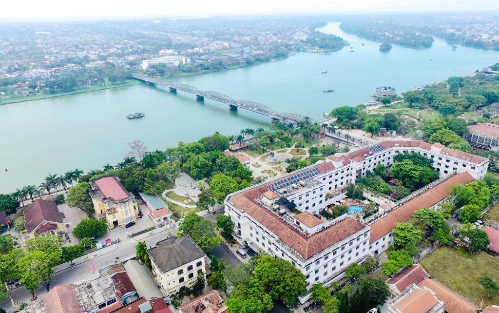 Vue panoramique sur l'établissement Saigon Morin Hotel