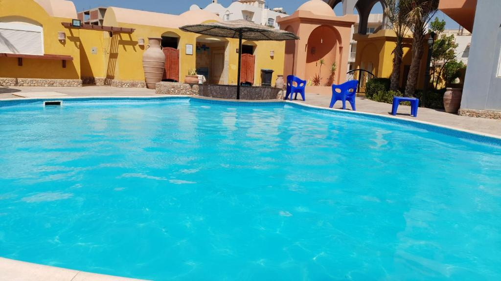 The swimming pool at or near Al Dora Residence Appartement