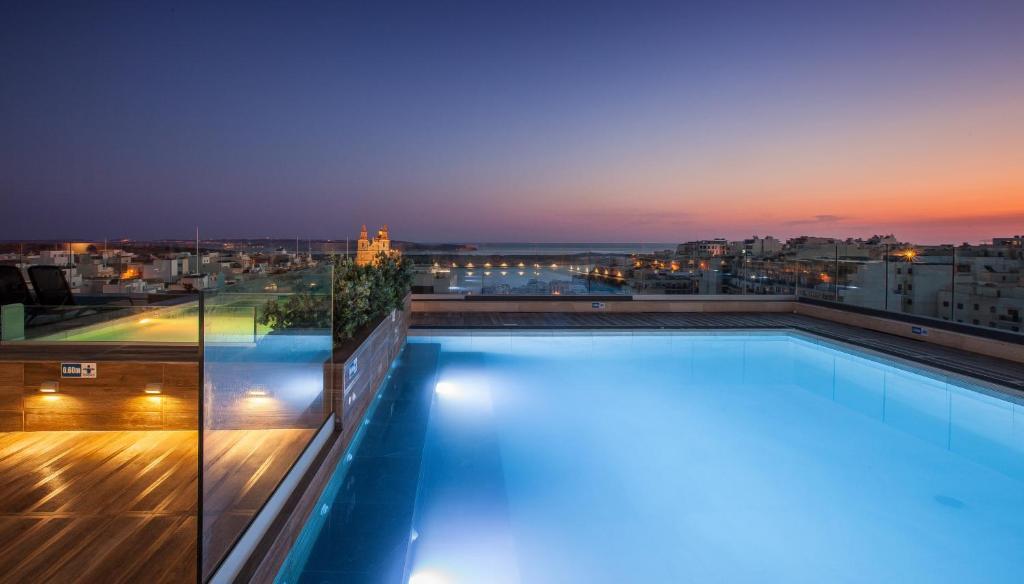 Piscine de l'établissement Solana Hotel & Spa ou située à proximité