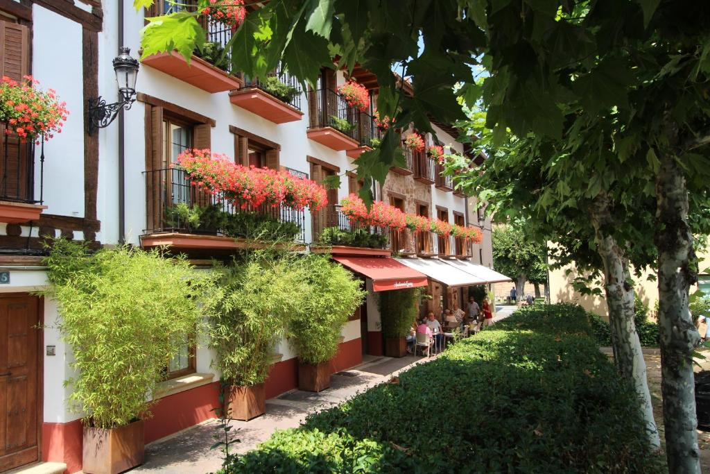 Hotel Turísticos Ezcaray, Spain - Booking.com