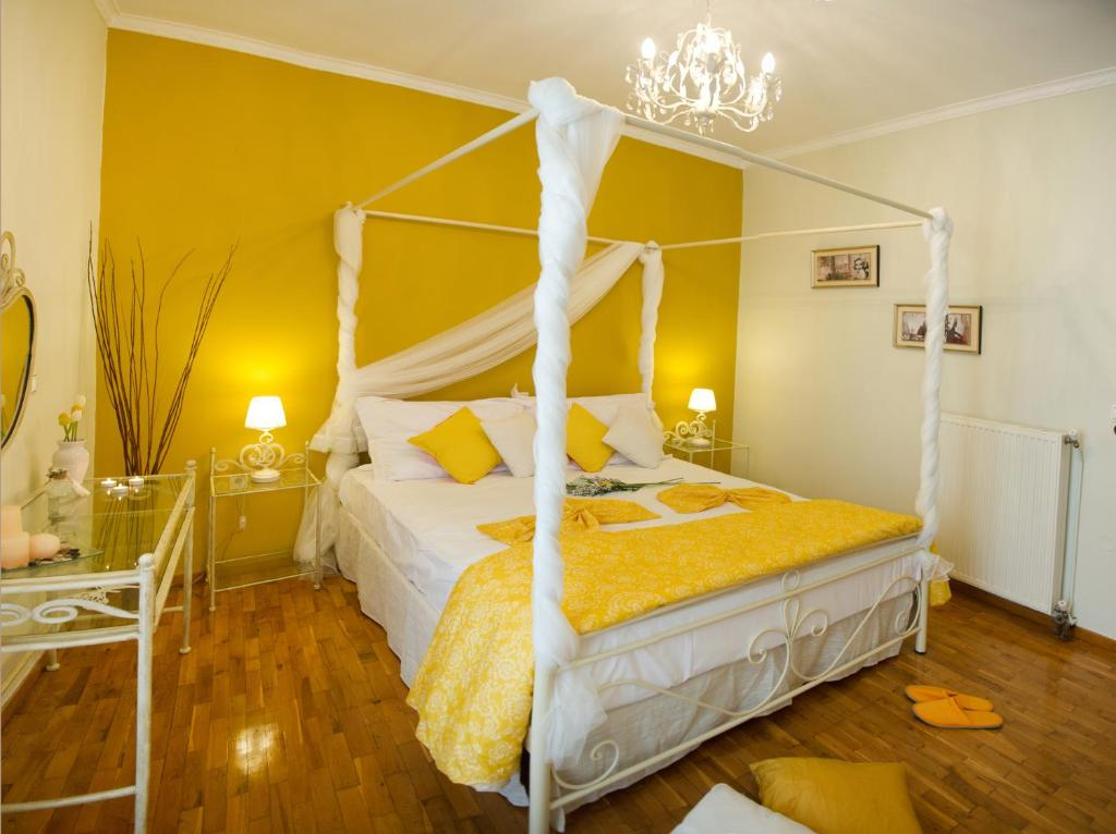 Letto o letti in una camera di Lefkas City Apartments