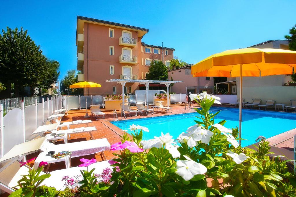 The swimming pool at or near Residence I Girasoli