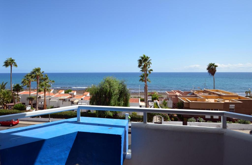A view of the pool at Aparthotel Veril Playa or nearby