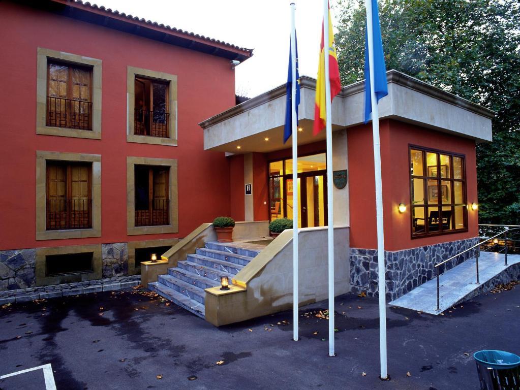 O edifício onde o hotel está situado