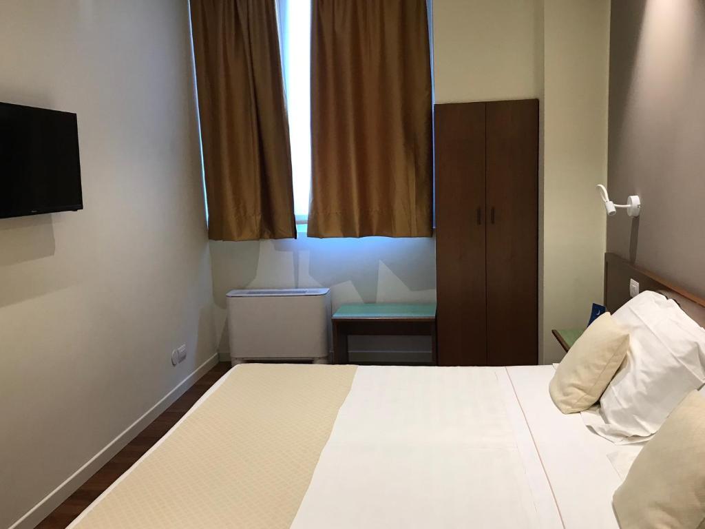 Camere Da Letto Lodi albergo anelli, lodi, italy - booking