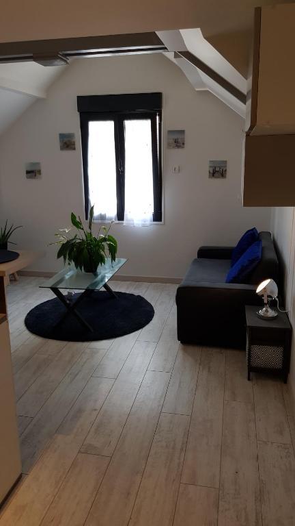 Appartement F1 Meublé France Auvers Sur Oise Bookingcom