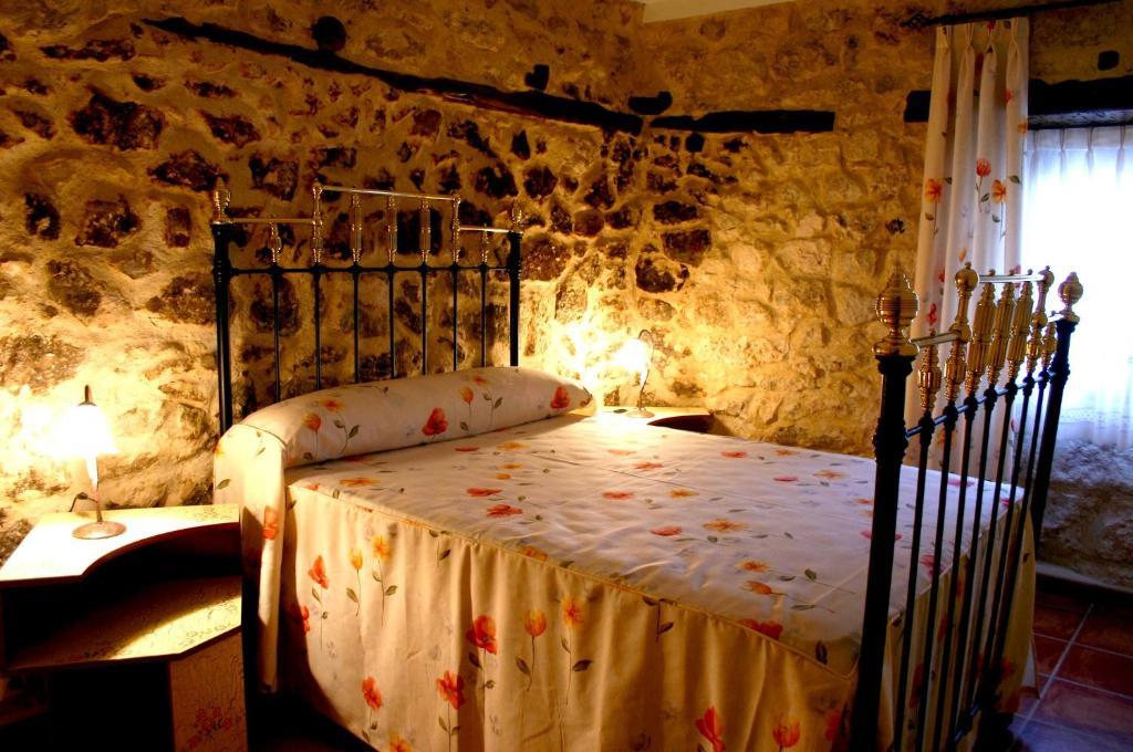 Cama o camas de una habitación en Casa Rural Valle Esgueva