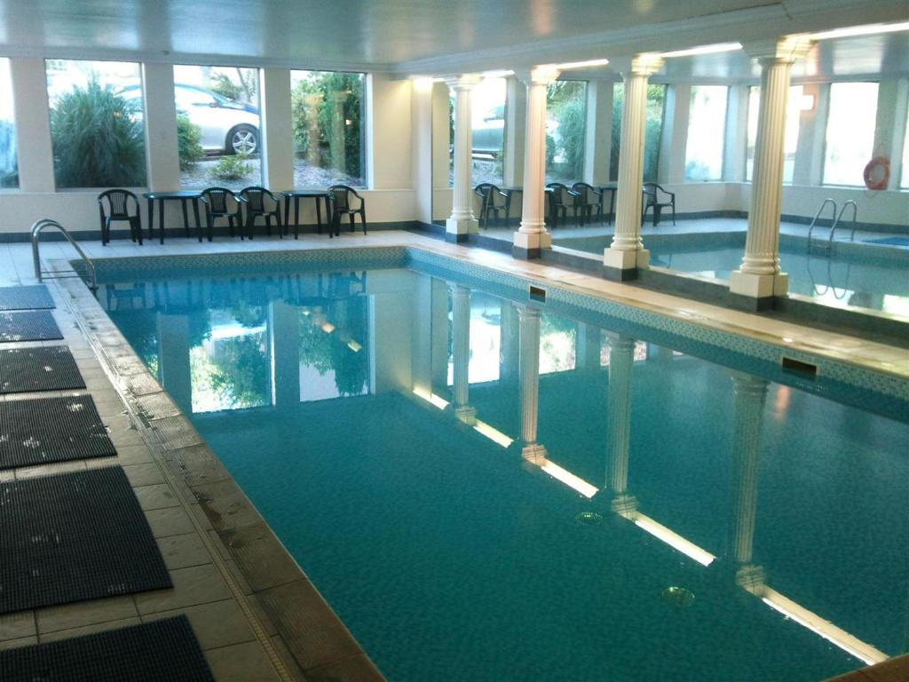 The swimming pool at or near Edinburgh City Apartment