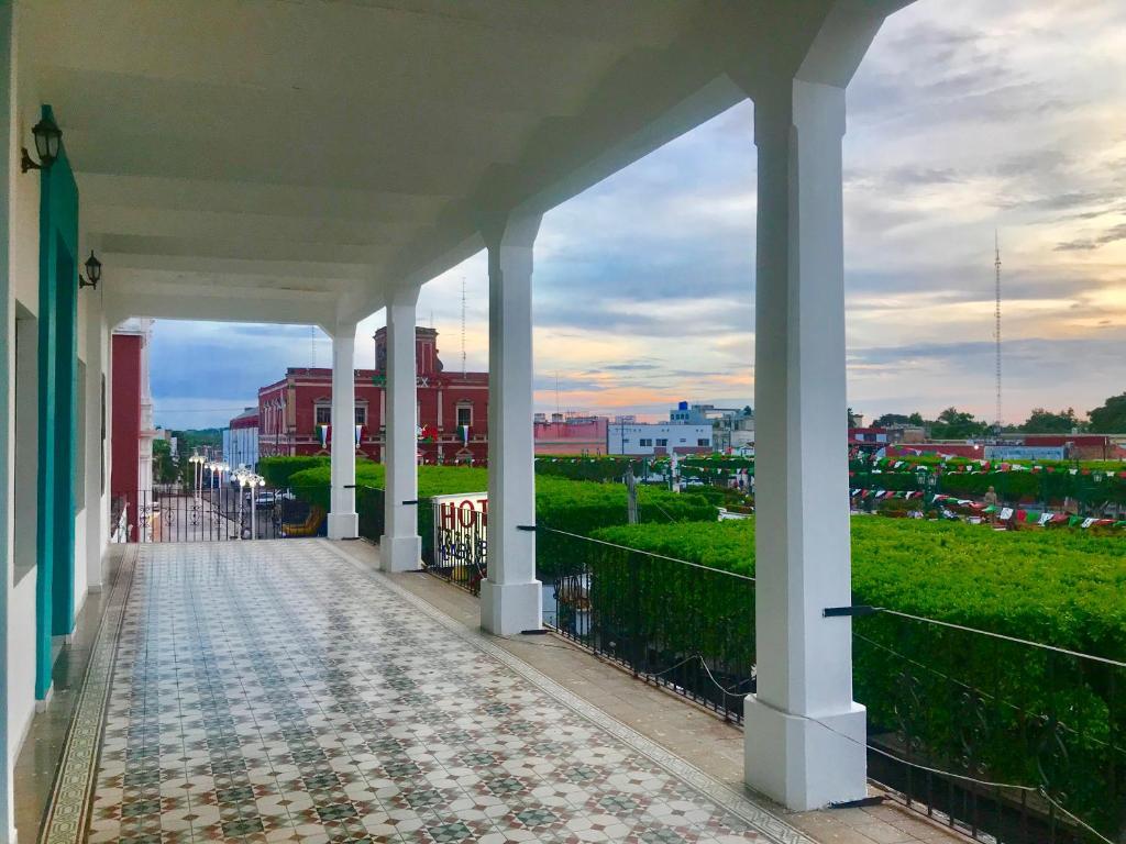 A balcony or terrace at Hotel Casa Blanca