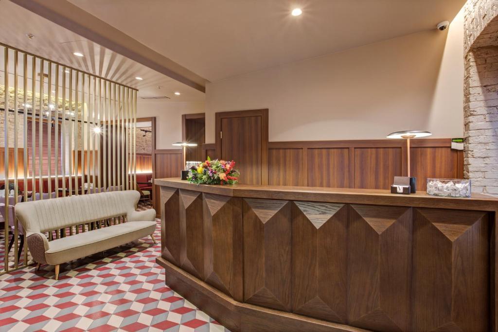 Лобби или стойка регистрации в V Hotel Sadovaya