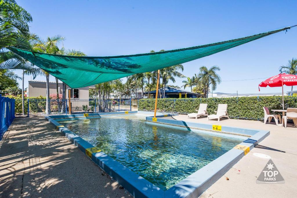 The swimming pool at or near Coral Coast Tourist Park