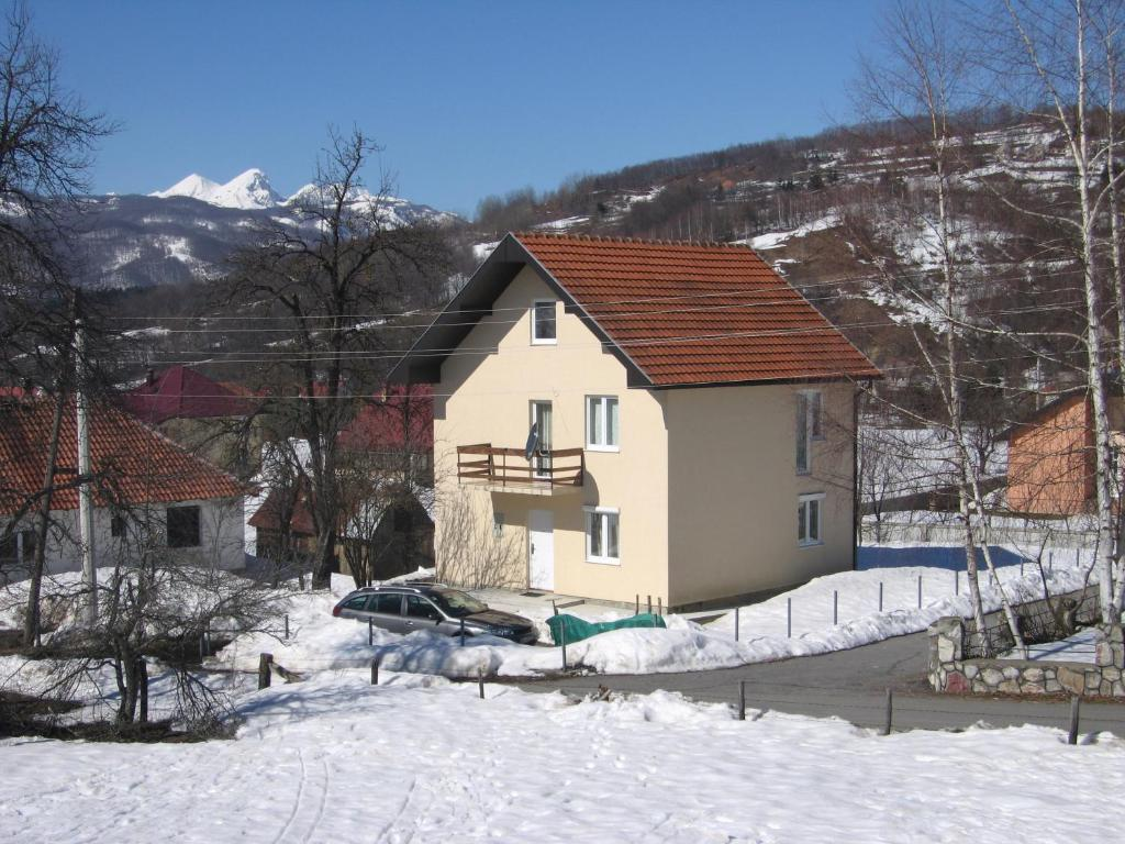 Guest House Sergey during the winter