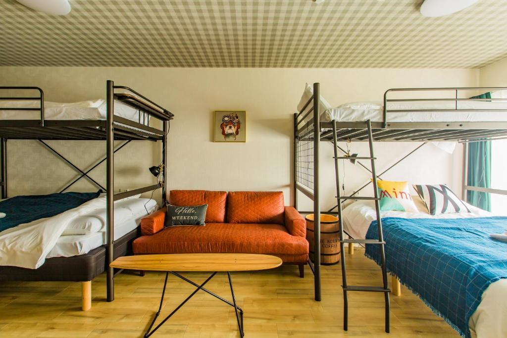 เตียงสองชั้นในห้องที่ Minn Namba