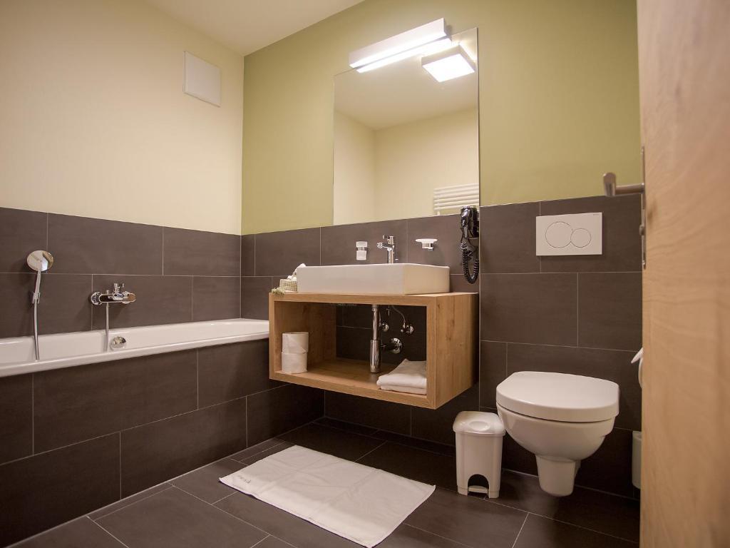 Ein Badezimmer in der Unterkunft Apartment PRIVÀ Alpine Lodge SUP3