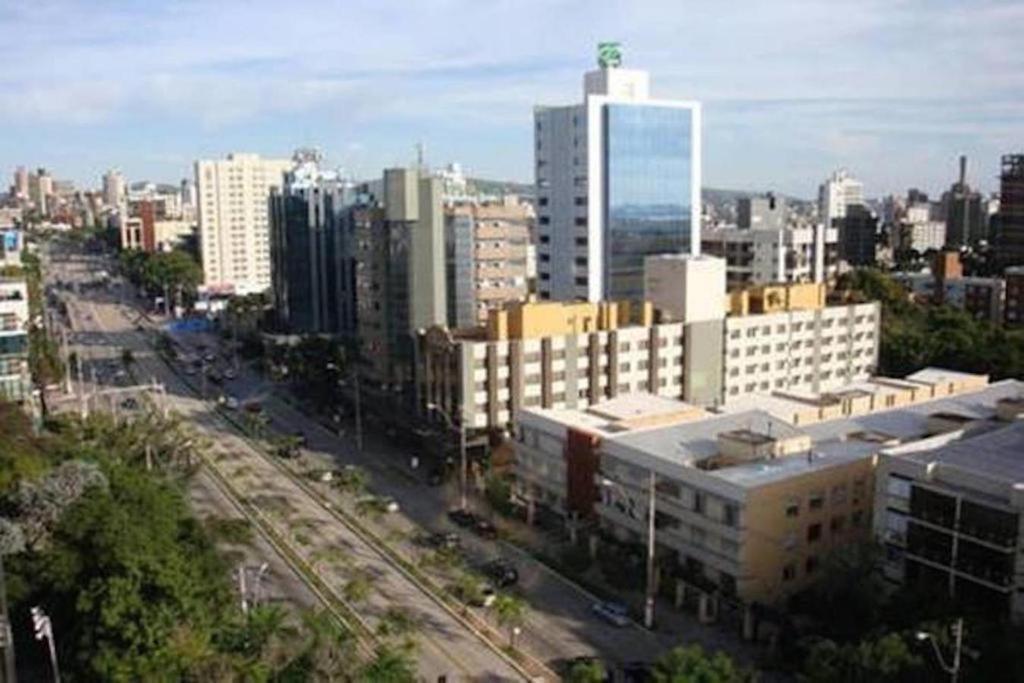 A bird's-eye view of Suítes e Quartos na Avenida Carlos Gomes