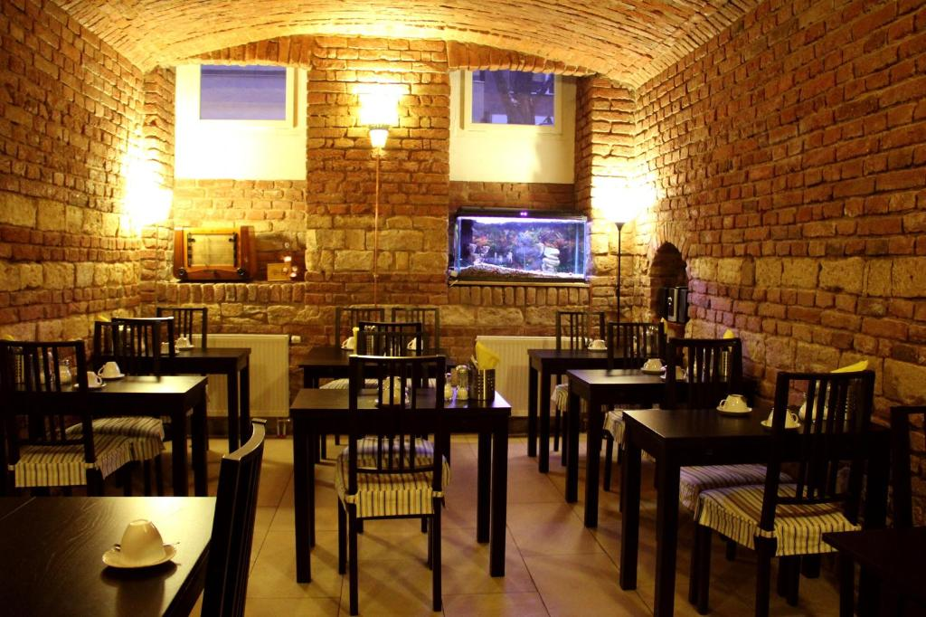 A restaurant or other place to eat at Hotel Trevi