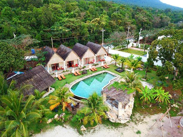 A bird's-eye view of Rocks Beach Boutique Bungalows