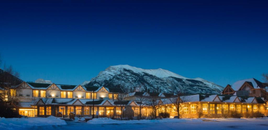 Coast Canmore Hotel & Conference Centre during the winter