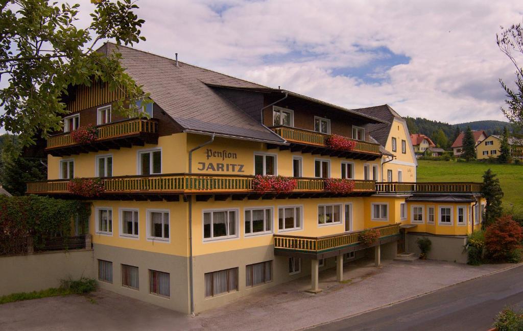 Cheap Hotels in Politischer Bezirk Graz-Umgebung - Book