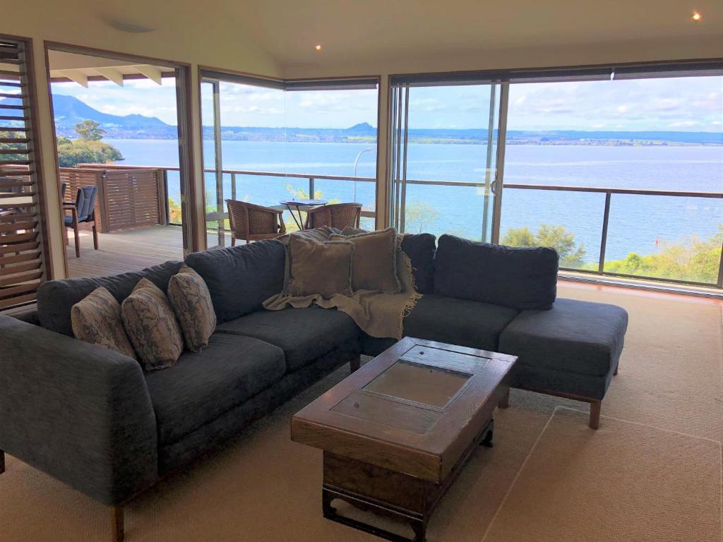 Acacia Haven - Beautiful Lake Views, Taupo – Tarifs 2019