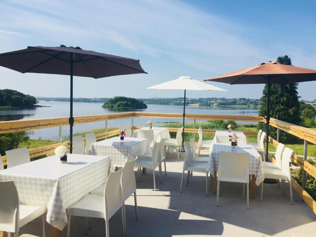 A restaurant or other place to eat at St Kyrans Country House & Restaurant