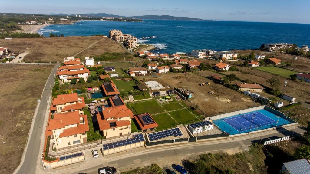 A bird's-eye view of Villa EM