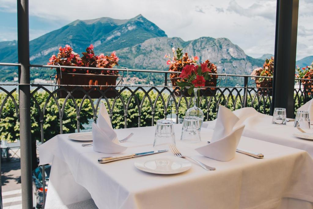 A restaurant or other place to eat at Hotel Suisse