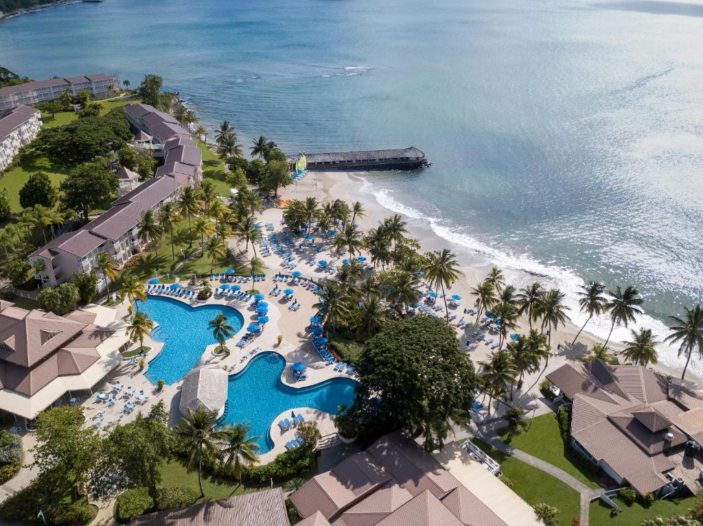 Blick auf St. James's Club Morgan Bay Resort - All Inclusive aus der Vogelperspektive