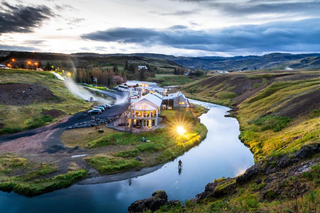 Natural Jacuzzi Iceland.Frost And Fire Hotel Hveragerdi Iceland Booking Com