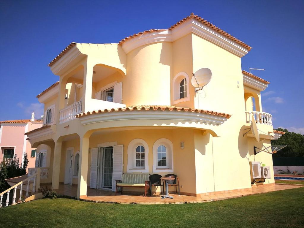 Villa Brady