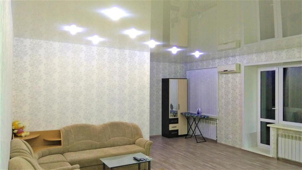 """Гостиная зона в Квартира-студия """"Атмосфера"""""""