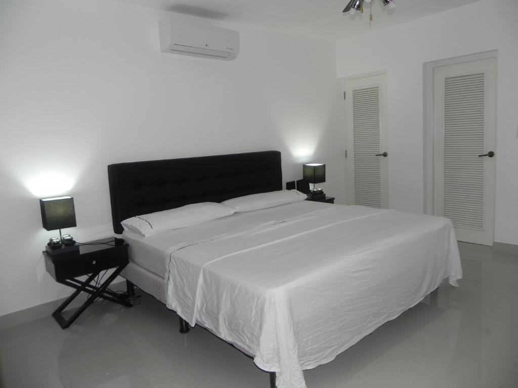 Letto o letti in una camera di Hostel Dona Amalia Apto + LUJOSO