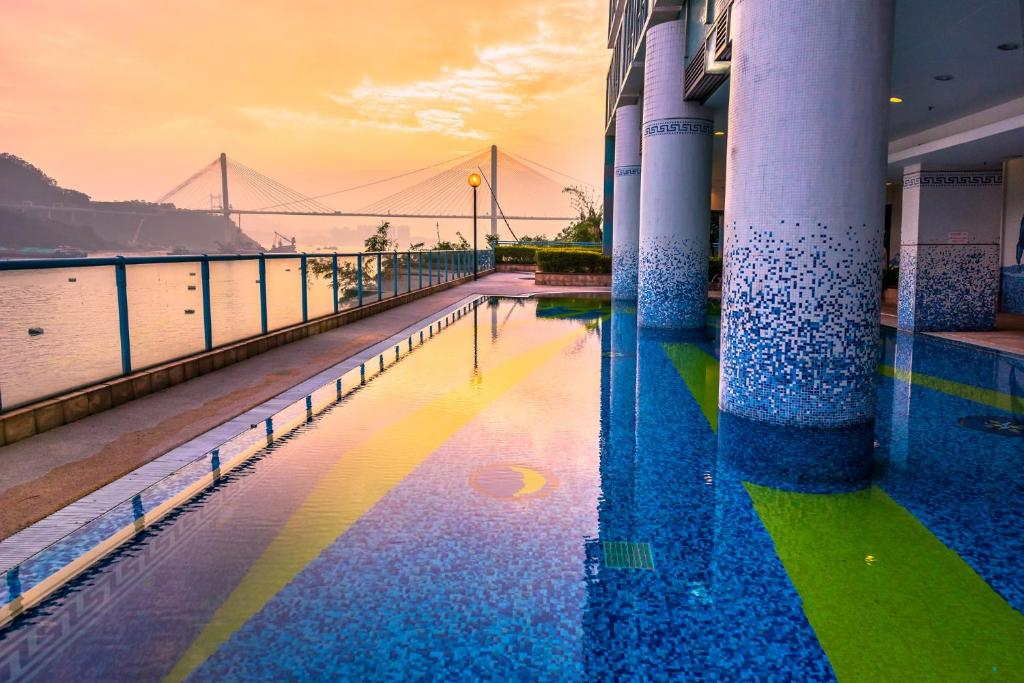 Piscina en o cerca de Bay Bridge Lifestyle Retreat, managed by Tang's Living