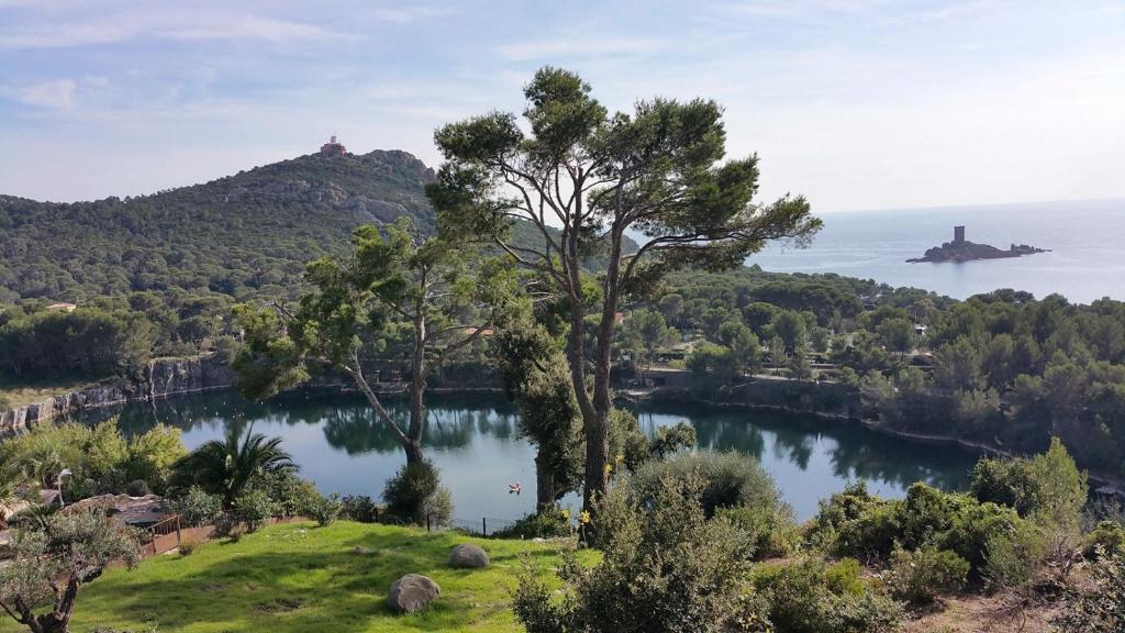 Ferienwohnung Cap Estérel Vacances - studio mer G2 terrasse ...