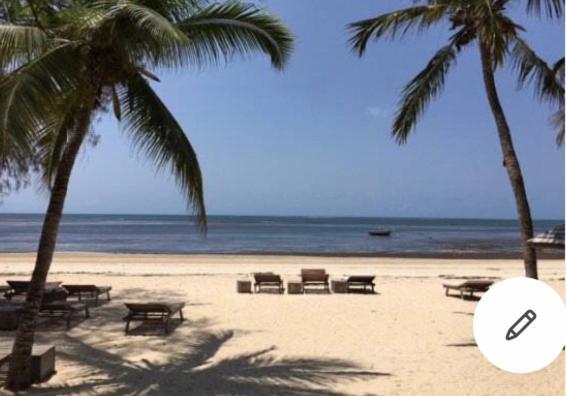 En strand ved eller i nærheten av ferieboligen
