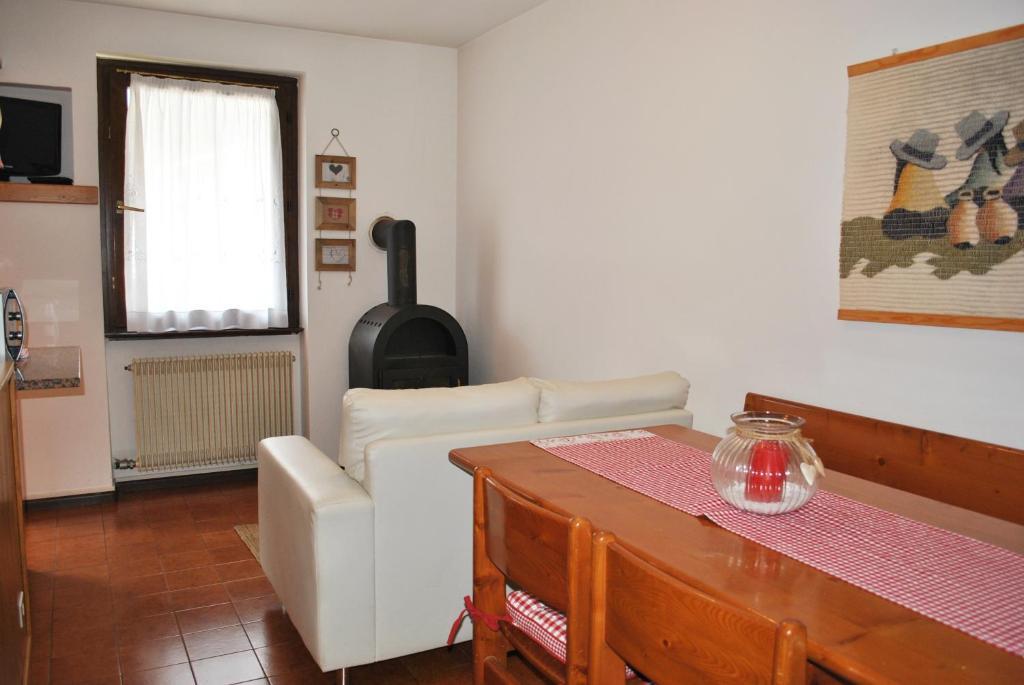 Appartamento con Due Camere da Letto vicino agli Impianti ...