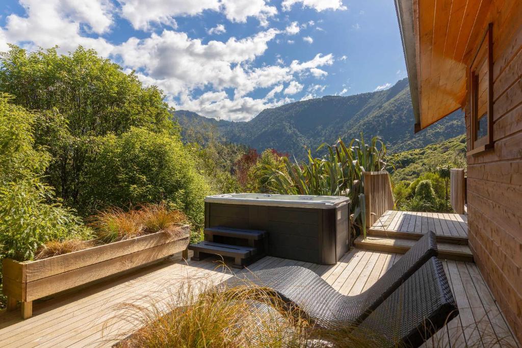 The Resurgence - Luxury Eco Lodge