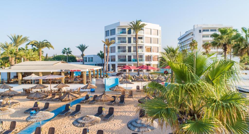 Hotel Adams Beach Deluxe Wing (Chipre Ayia Napa) - Booking.com