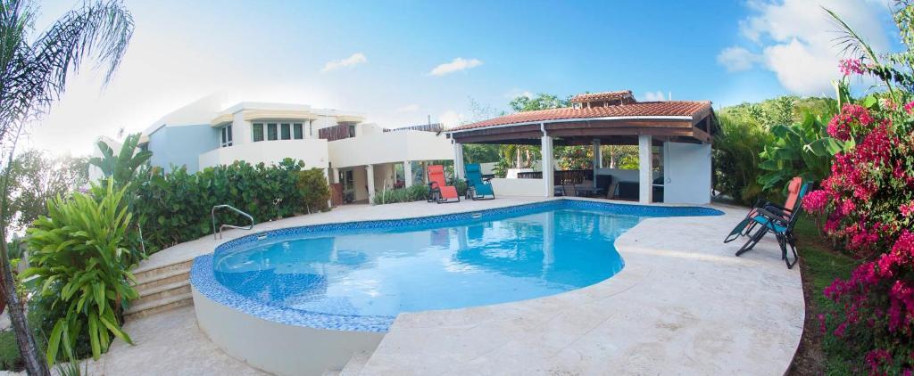 The swimming pool at or near A La Bella Noni Bed & Breakfast
