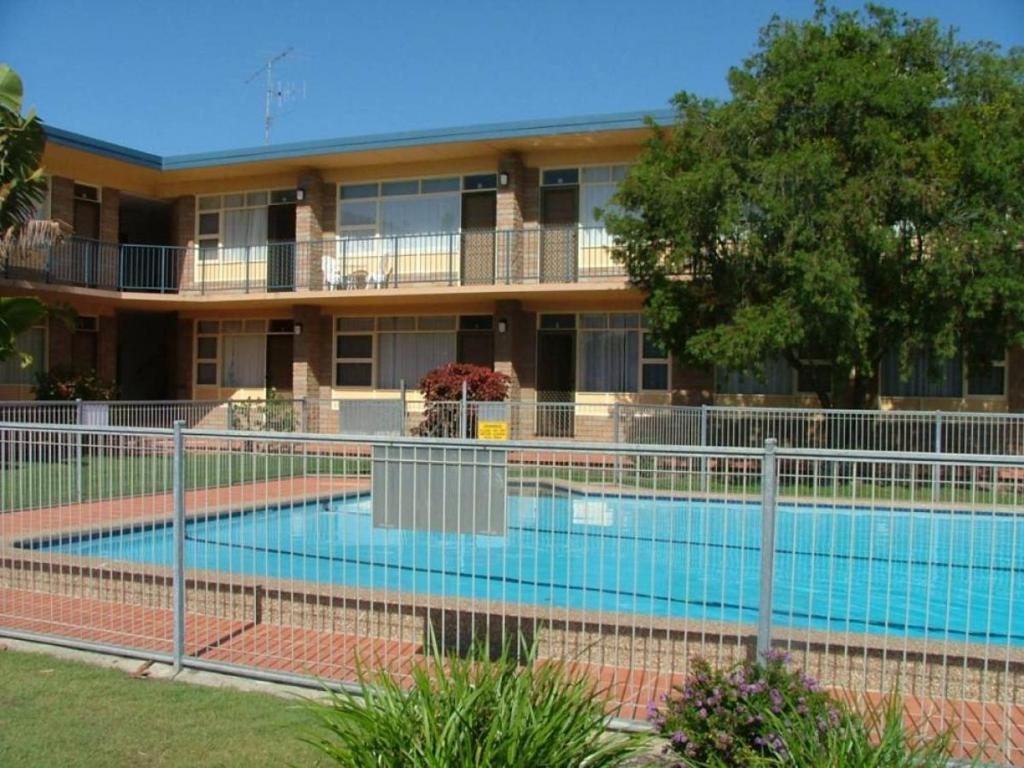 The swimming pool at or near Forster Lodge 16, Cnr Wallis & West Streets, Forster