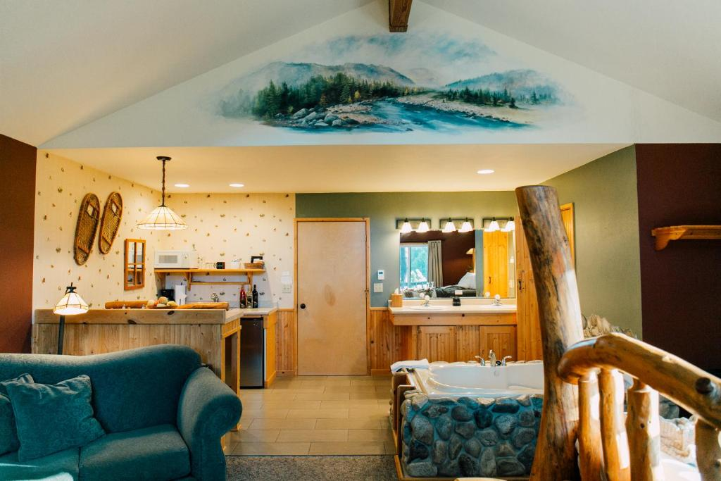 A kitchen or kitchenette at Pine River Ranch B&B