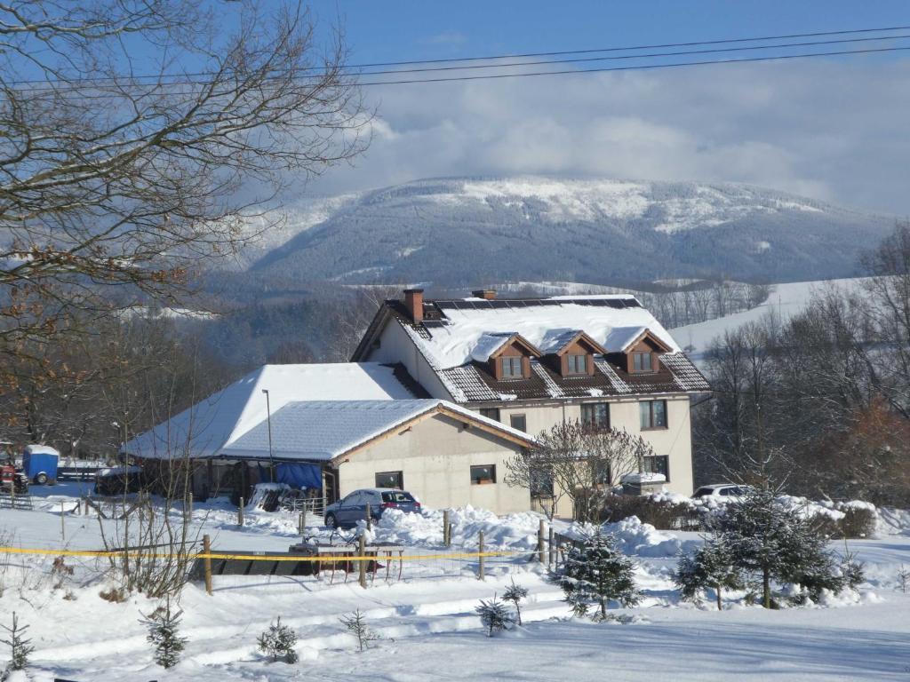 Ubytování Farma U sv. Jakuba during the winter