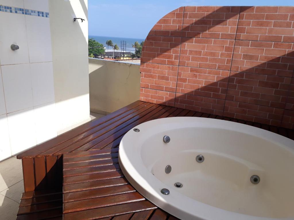 A balcony or terrace at Cobertura Luxo com duas suítes Vista Mar Praia dos Milionários