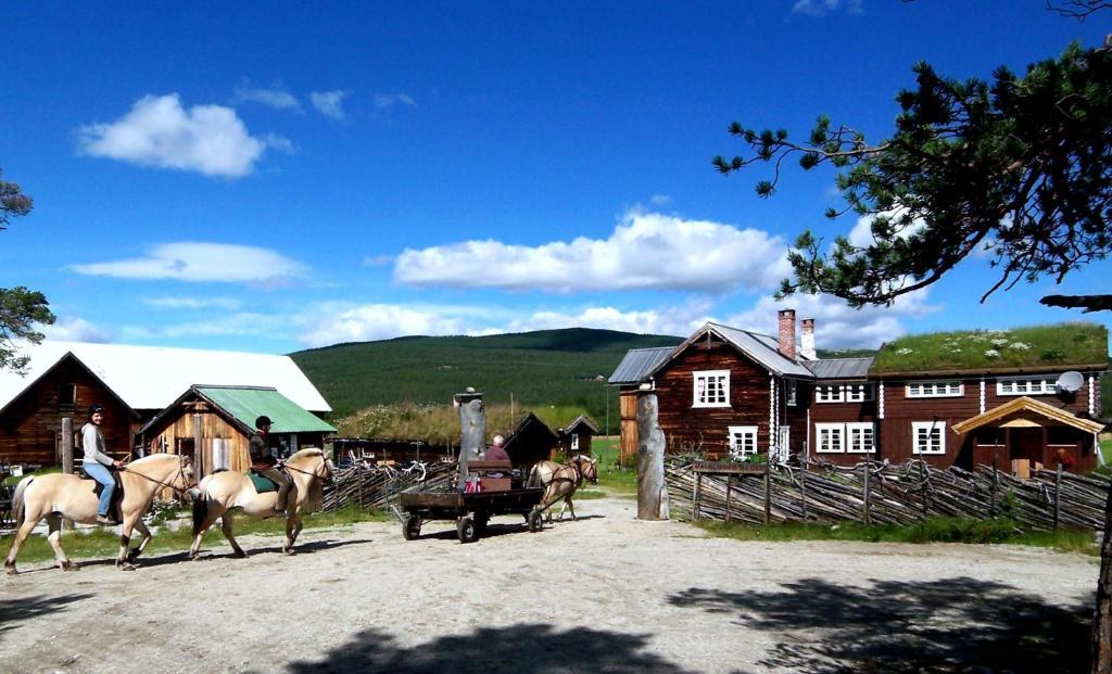 Gjester på Kvebergsøya Gard