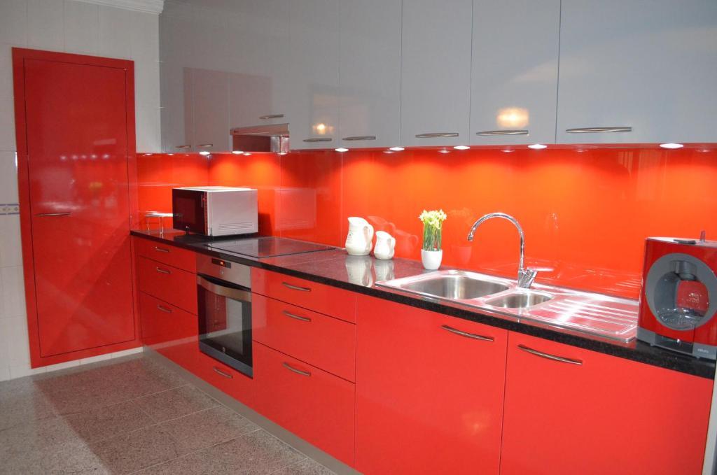 A kitchen or kitchenette at Apartamento Arosa